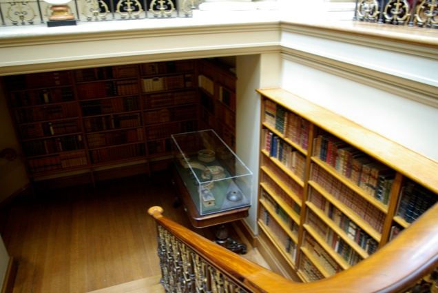 I loved the book nook on the stairs