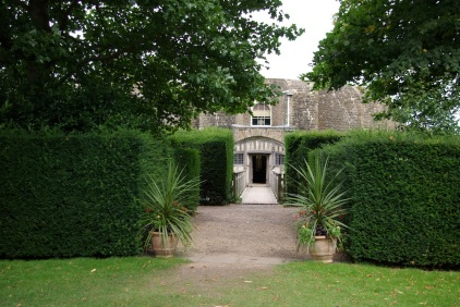 Entrance to Walmer from the Gardens